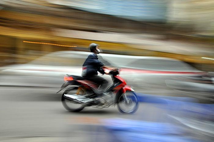 bigstock-Crowded-Scooter-Traffic-In-Han-55751156_web