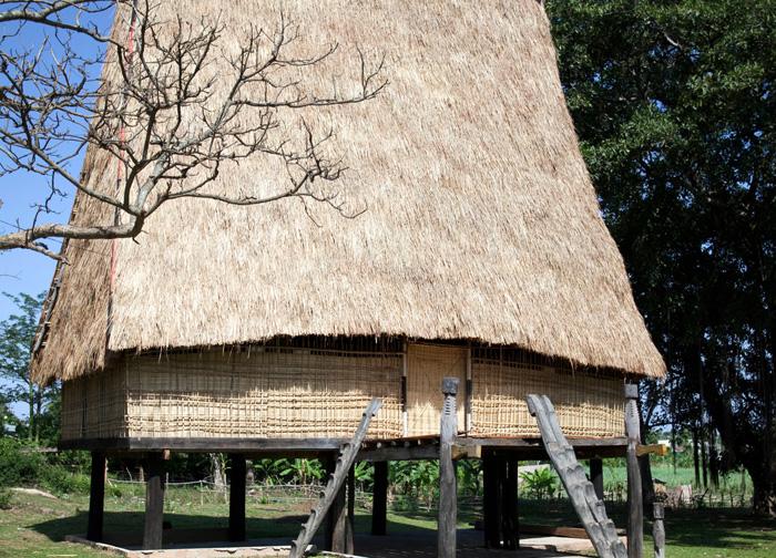 Hong Khen Communal House