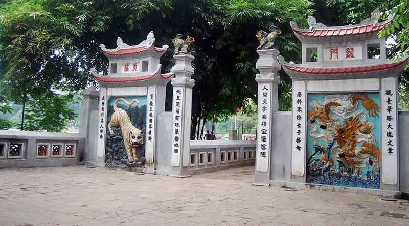 hanoi-guide-ngoc-son-i494813085