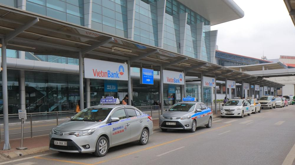 Taxi from Airport to Accommodations